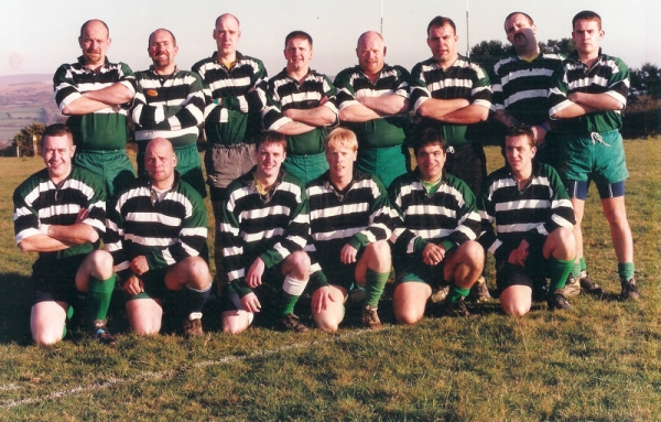 1st XV 2001-02: C.Curnow, A.Rees, S.Lemon, M.Foster, S.Robertson, R.Belli, D.Cummings, L.McDowell; M.Matthew, P.Hall, Higgins, P.Critchley, M.Louise, A.Critchley.